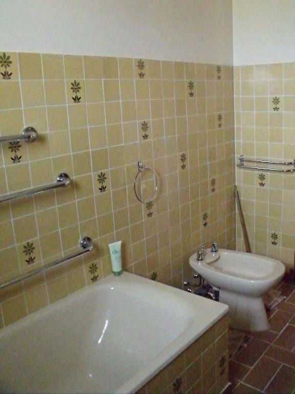 Appartement à louer 4 128m2 à La Brillanne vignette-6