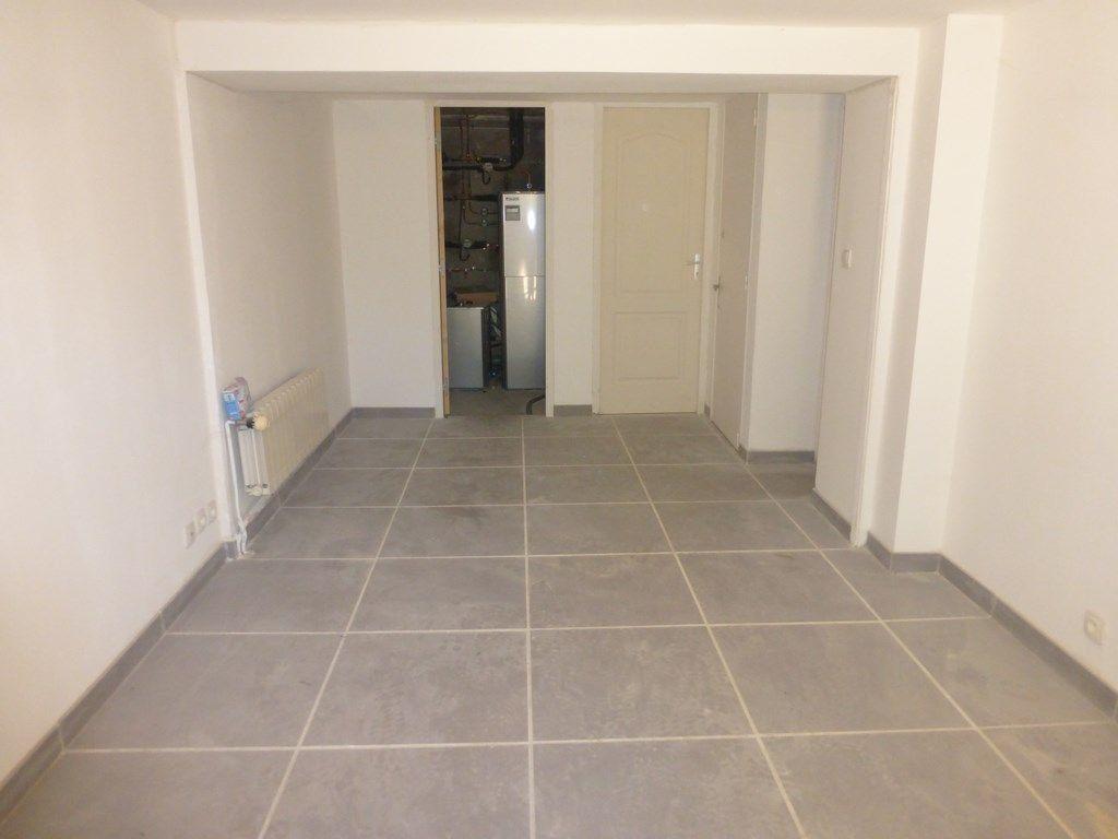 Appartement à louer 3 68m2 à Oraison vignette-3