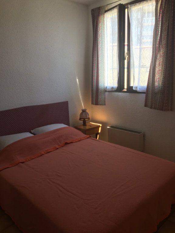 Appartement à louer 1 27m2 à Gréoux-les-Bains vignette-3