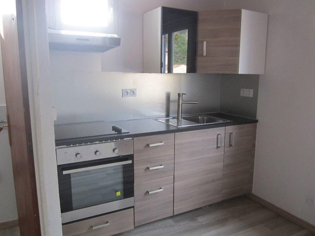 Appartement à louer 2 43m2 à Château-Arnoux-Saint-Auban vignette-1