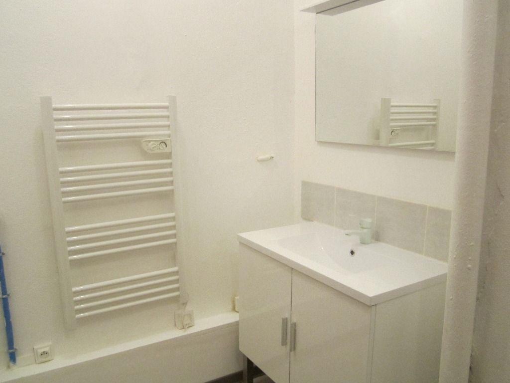 Appartement à louer 2 43m2 à Château-Arnoux-Saint-Auban vignette-4