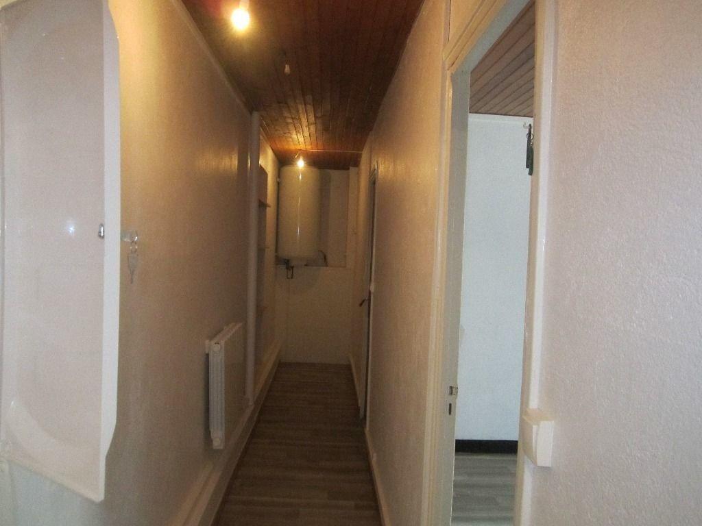 Appartement à louer 2 43m2 à Château-Arnoux-Saint-Auban vignette-6