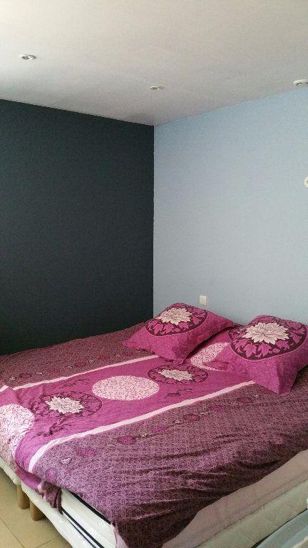 Appartement à louer 3 70m2 à Saint-Julien vignette-4