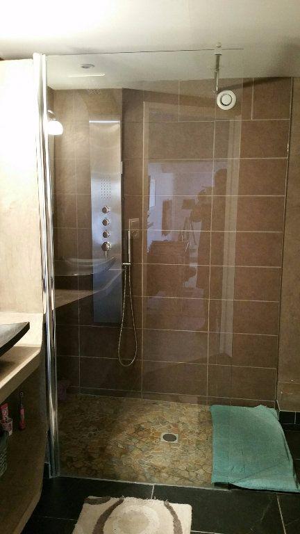 Appartement à louer 3 70m2 à Saint-Julien vignette-5
