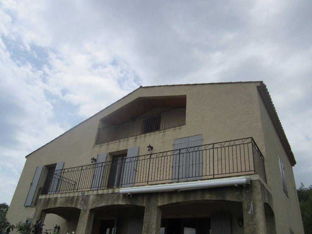 Appartement à louer 5 135m2 à Château-Arnoux-Saint-Auban vignette-1