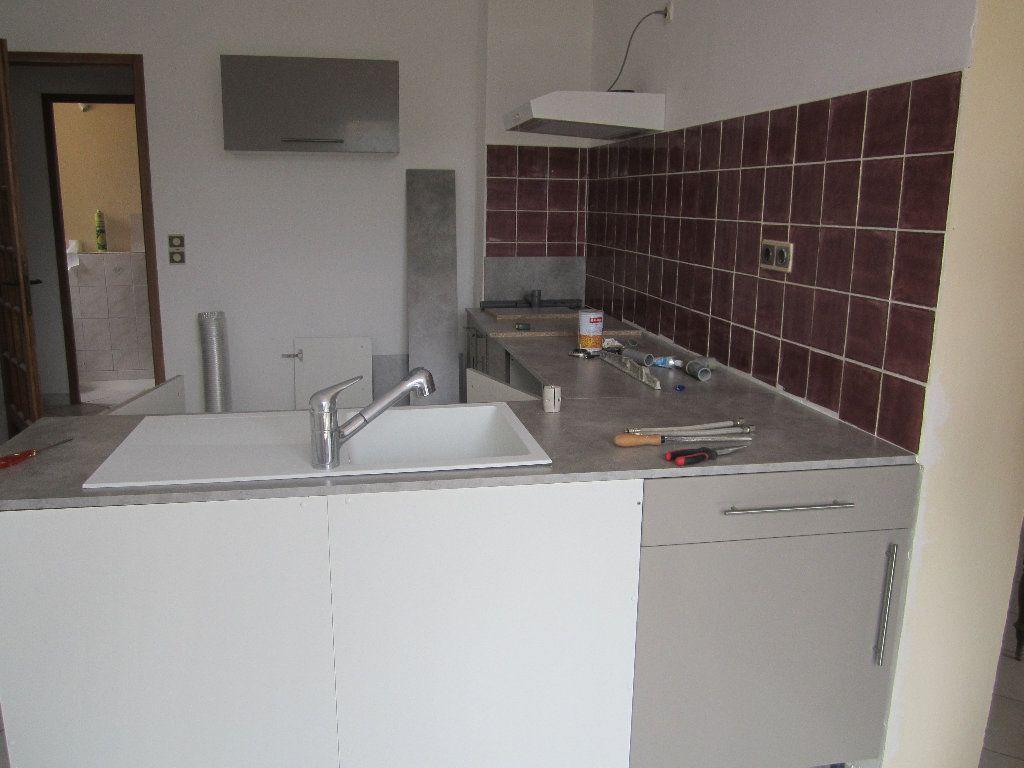 Appartement à louer 5 135m2 à Château-Arnoux-Saint-Auban vignette-7