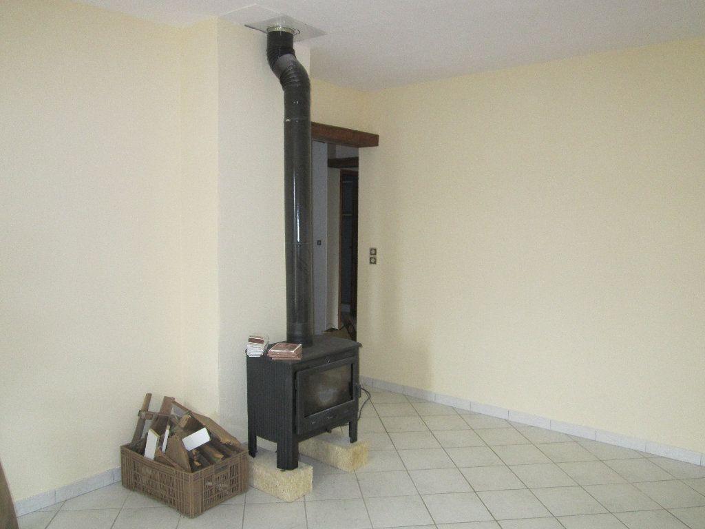 Appartement à louer 5 135m2 à Château-Arnoux-Saint-Auban vignette-8