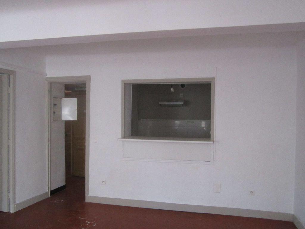 Appartement à louer 3 56m2 à Volonne vignette-1