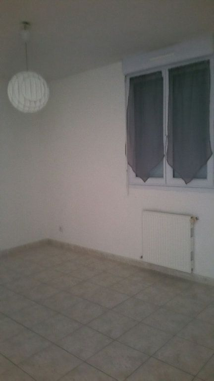 Appartement à louer 4 75m2 à Oraison vignette-4