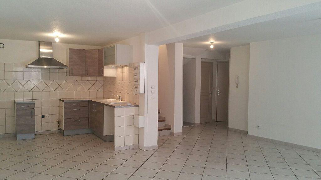 Appartement à louer 3 90m2 à Les Mées vignette-1