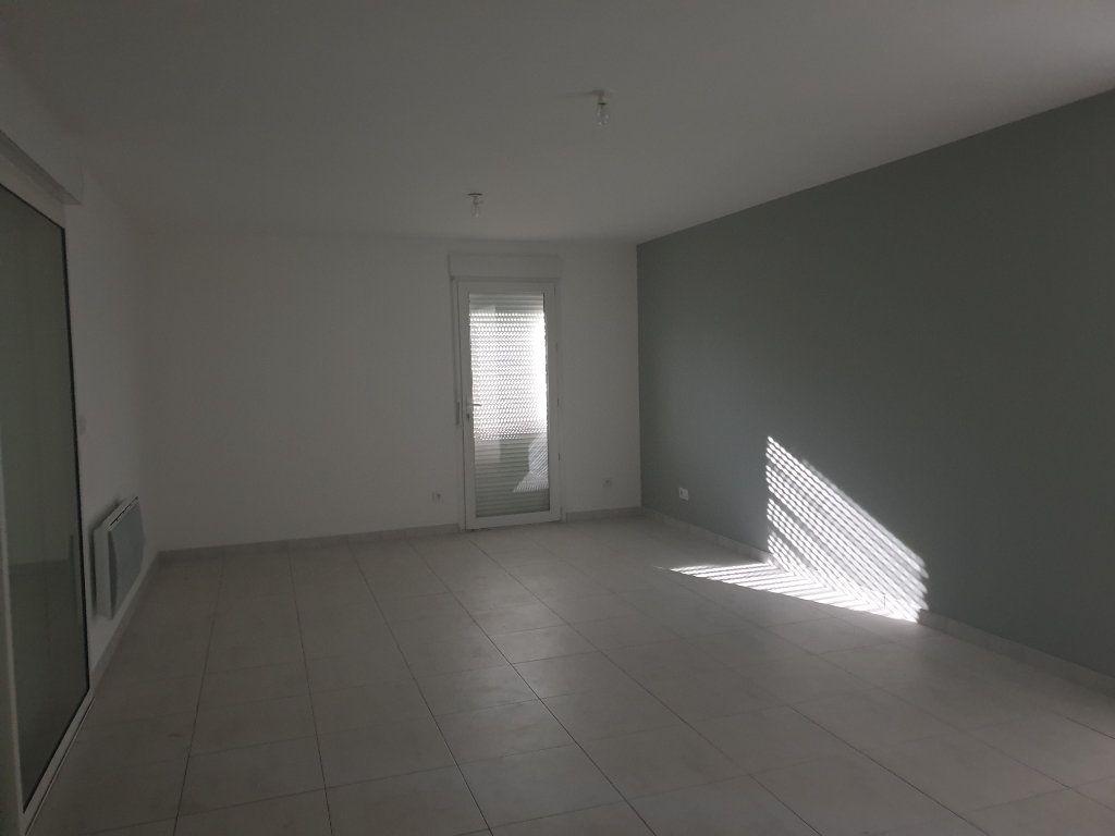 Appartement à louer 3 70m2 à Manosque vignette-5