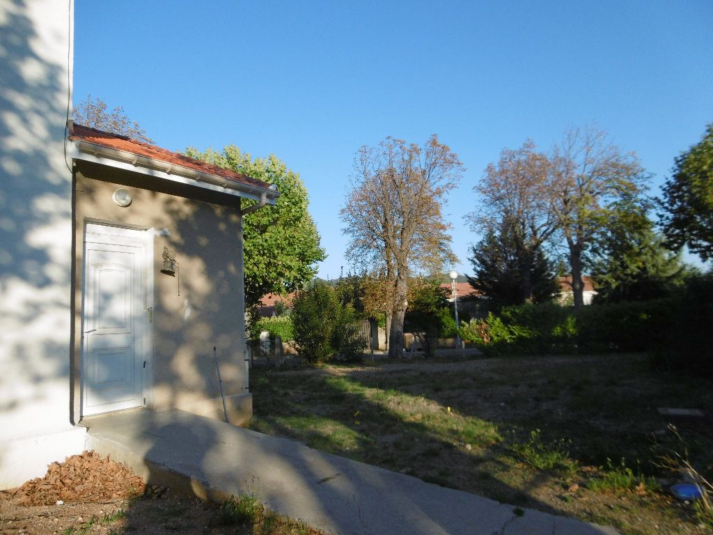 Maison à vendre 7 120m2 à Château-Arnoux-Saint-Auban vignette-1