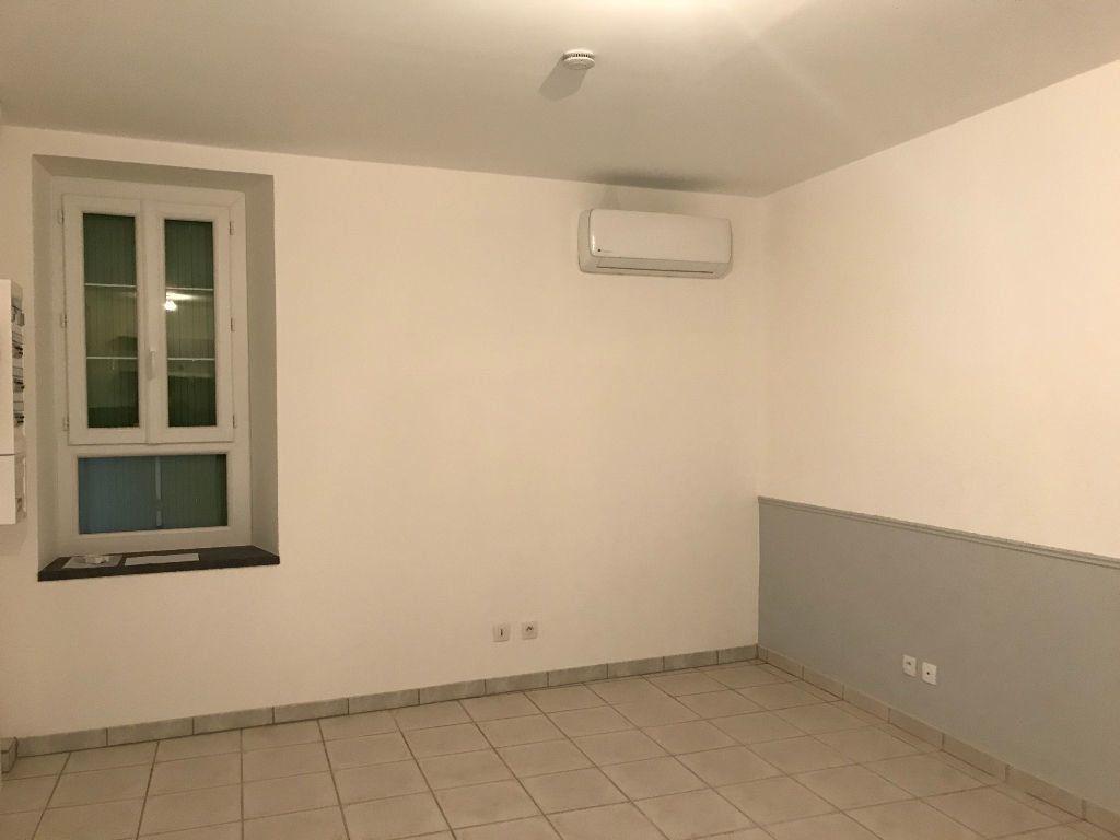 Maison à louer 2 38m2 à Gréoux-les-Bains vignette-3