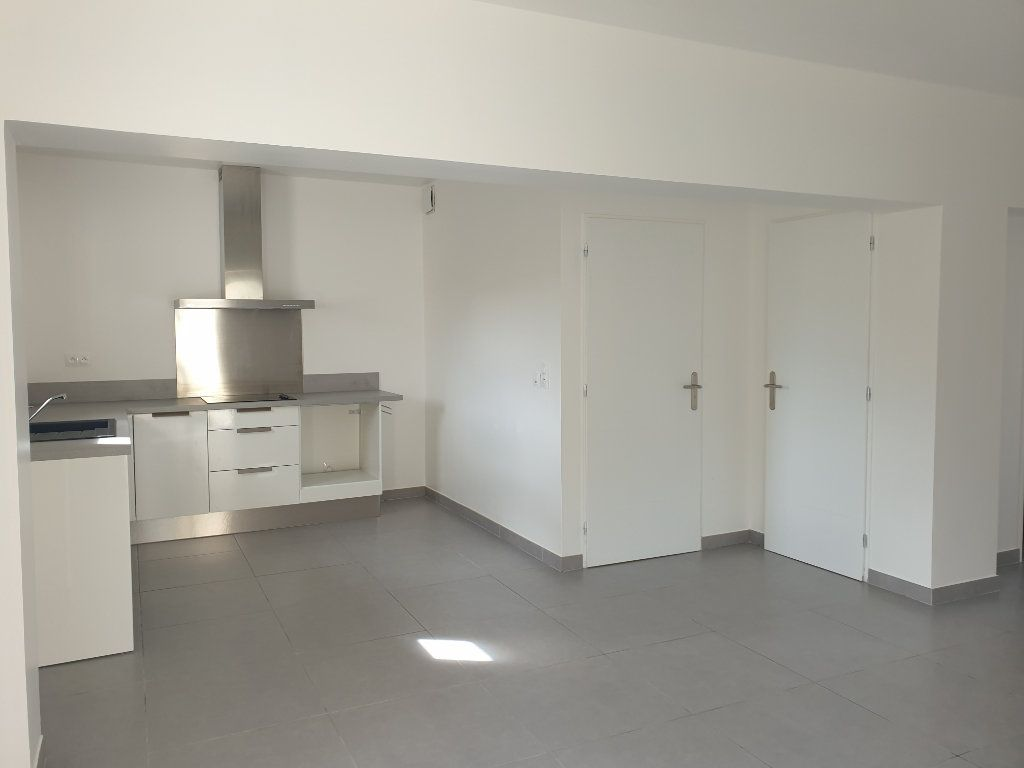 Appartement à louer 3 62m2 à Les Mées vignette-1