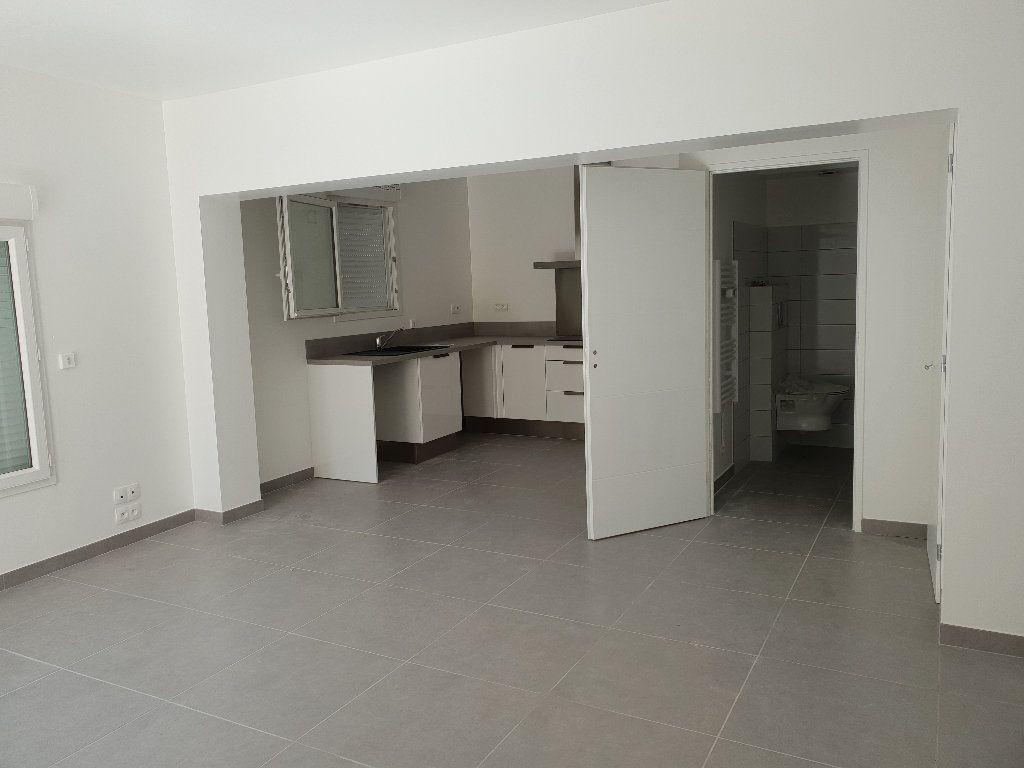Appartement à louer 3 62m2 à Les Mées vignette-2