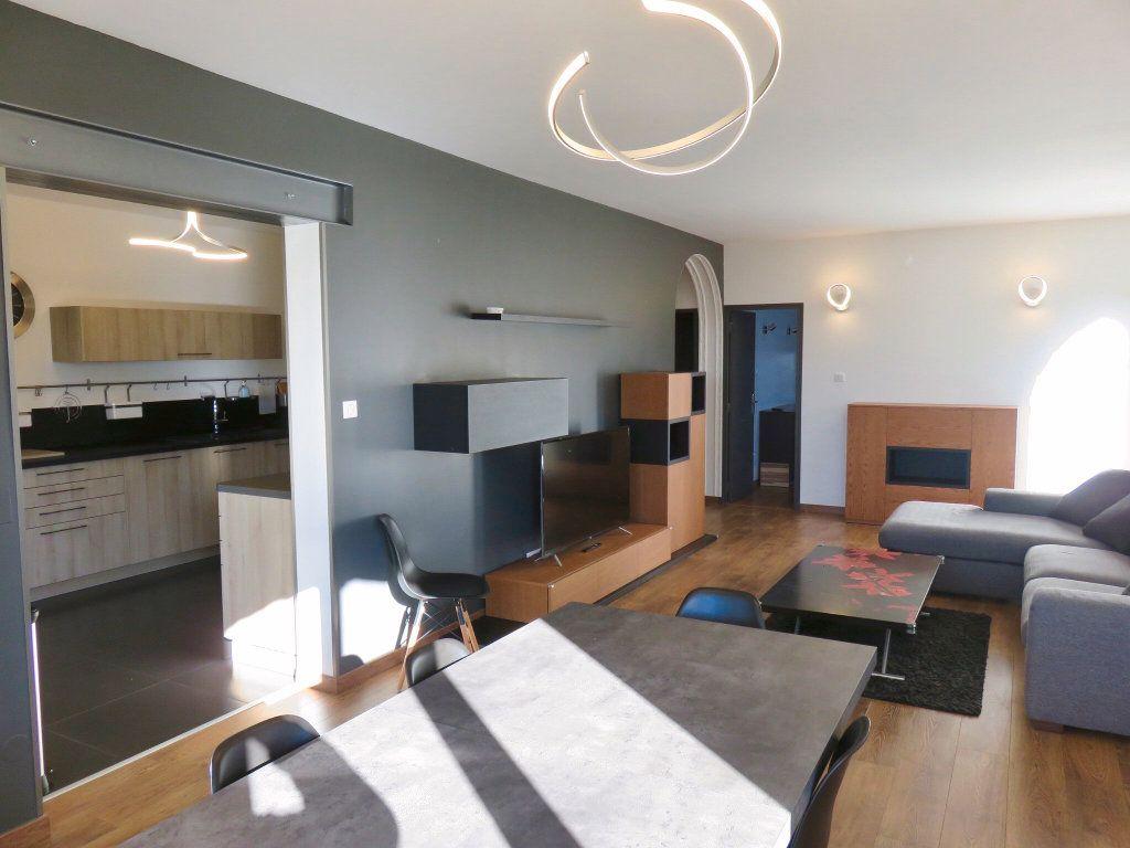 Appartement à louer 4 100m2 à Ginasservis vignette-1