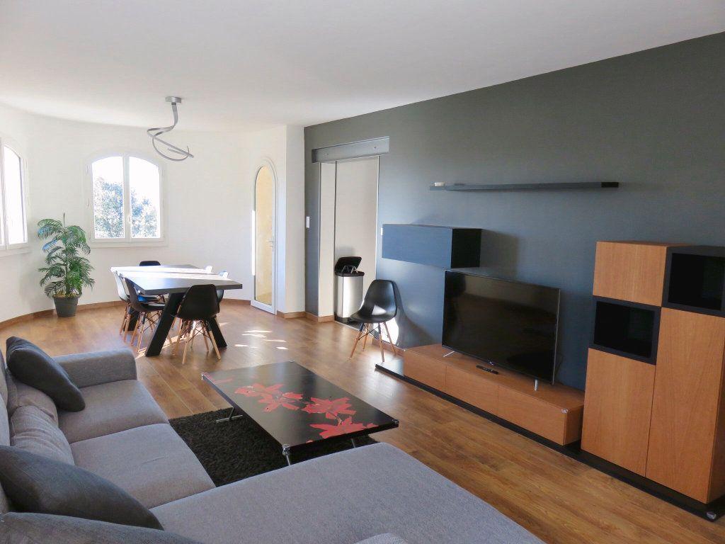 Appartement à louer 4 100m2 à Ginasservis vignette-2