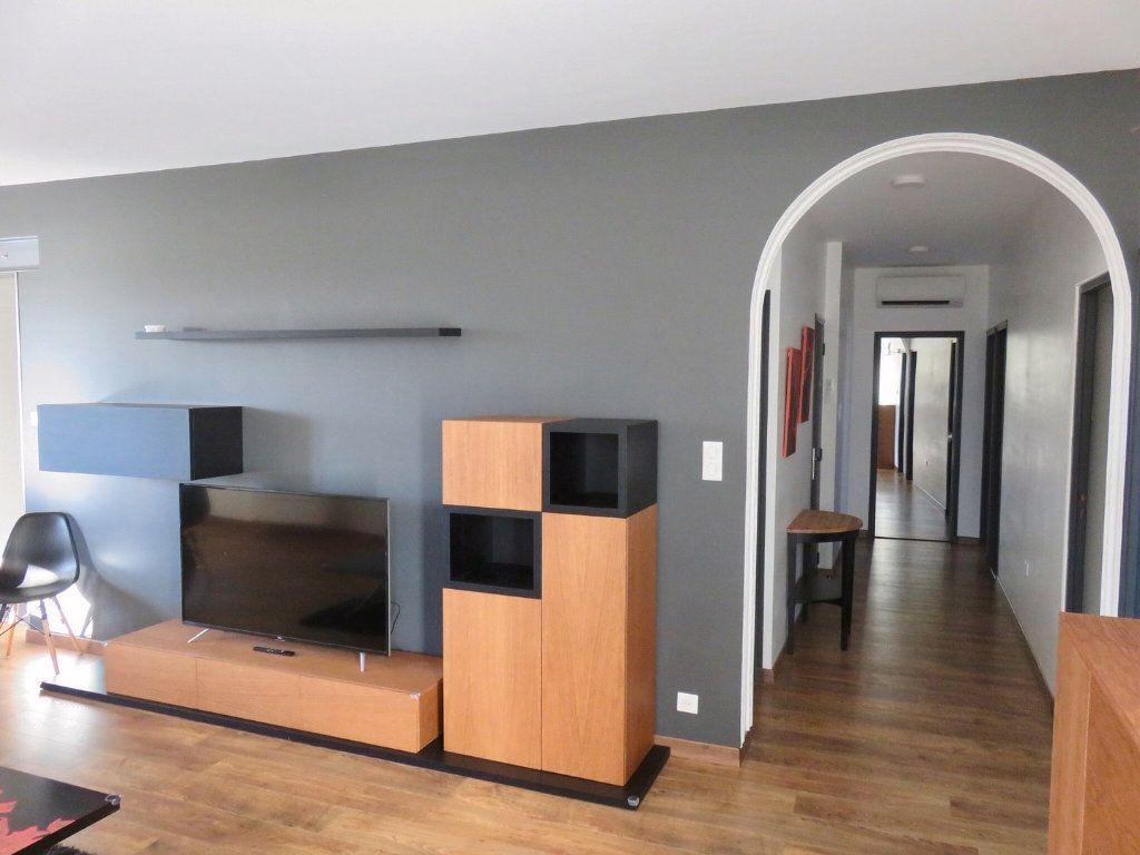 Appartement à louer 4 100m2 à Ginasservis vignette-4