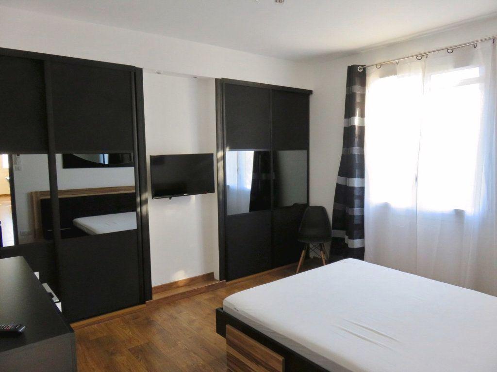 Appartement à louer 4 100m2 à Ginasservis vignette-6