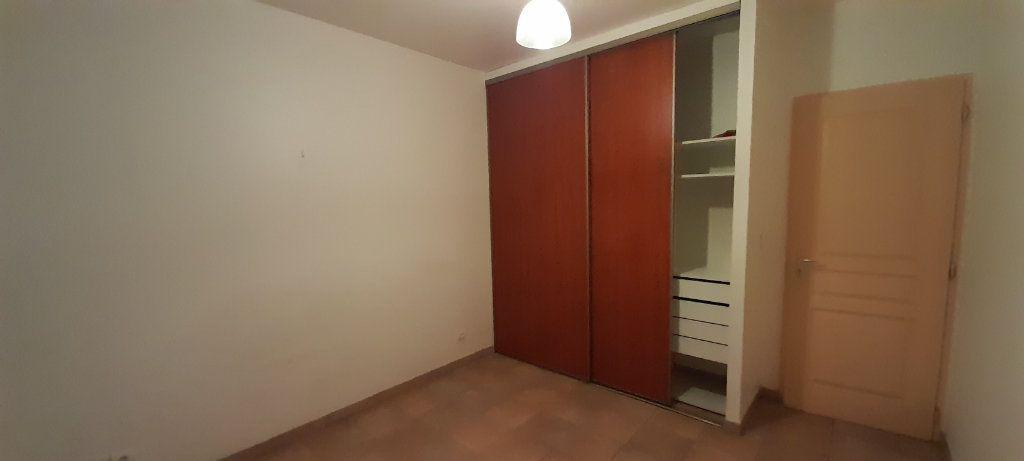 Appartement à louer 3 80m2 à Vinon-sur-Verdon vignette-5
