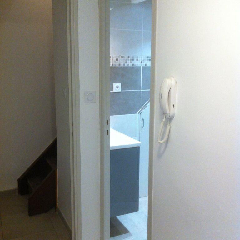 Appartement à louer 1 38m2 à Sisteron vignette-4