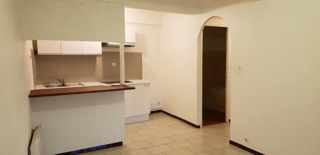Appartement à louer 2 40m2 à Oraison vignette-1