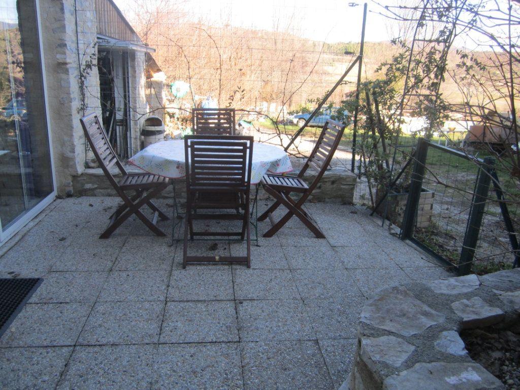 Appartement à louer 2 39.9m2 à Châteauneuf-Val-Saint-Donat vignette-3