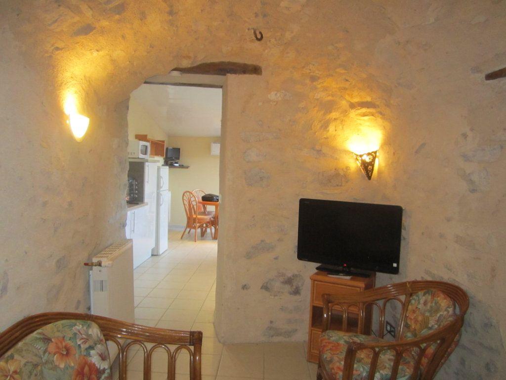 Appartement à louer 2 39.9m2 à Châteauneuf-Val-Saint-Donat vignette-4