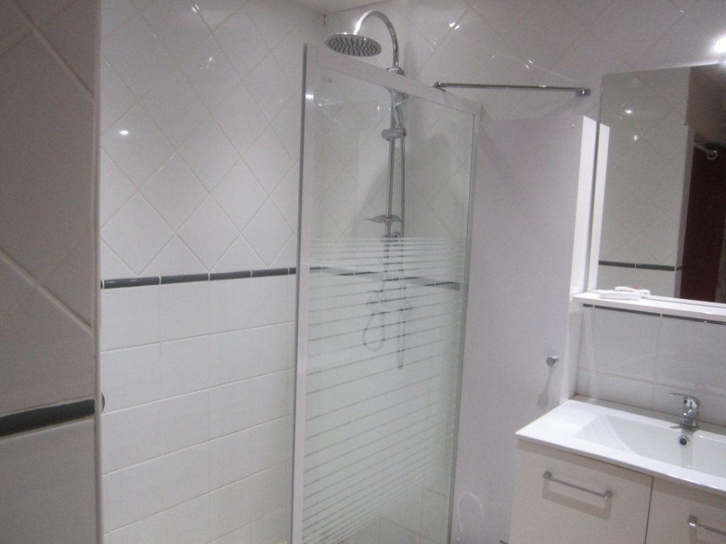 Appartement à louer 2 39.9m2 à Châteauneuf-Val-Saint-Donat vignette-6