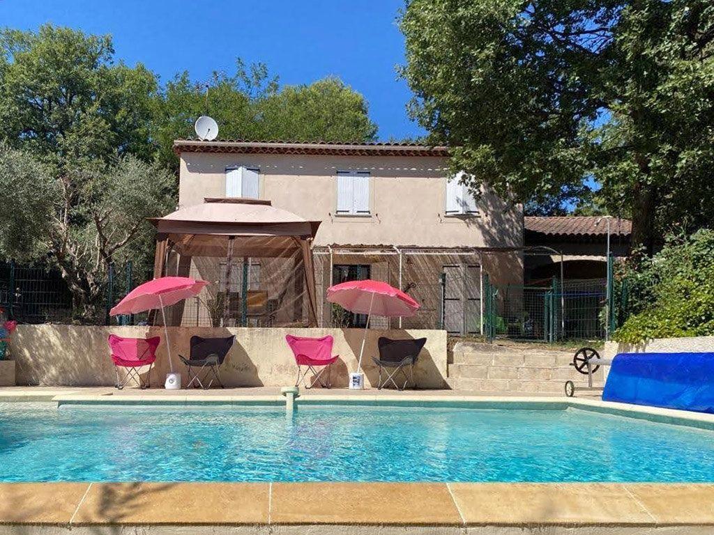 Maison à vendre 6 189m2 à Gréoux-les-Bains vignette-1
