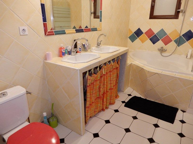 Maison à vendre 6 189m2 à Gréoux-les-Bains vignette-9