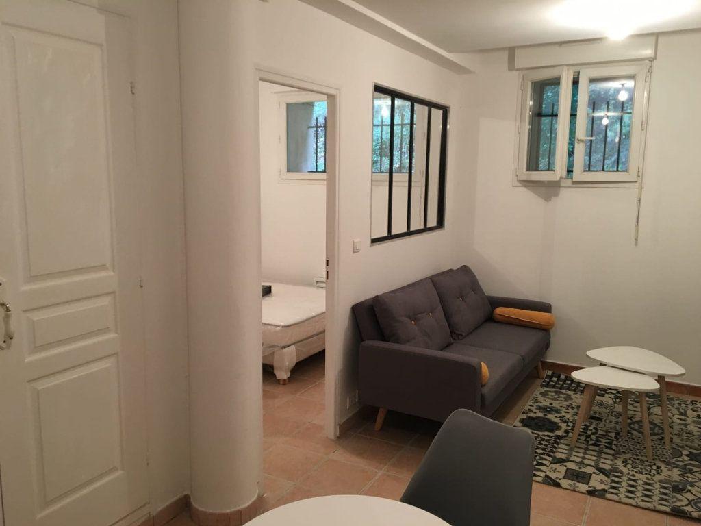 Appartement à louer 2 40m2 à Vinon-sur-Verdon vignette-1