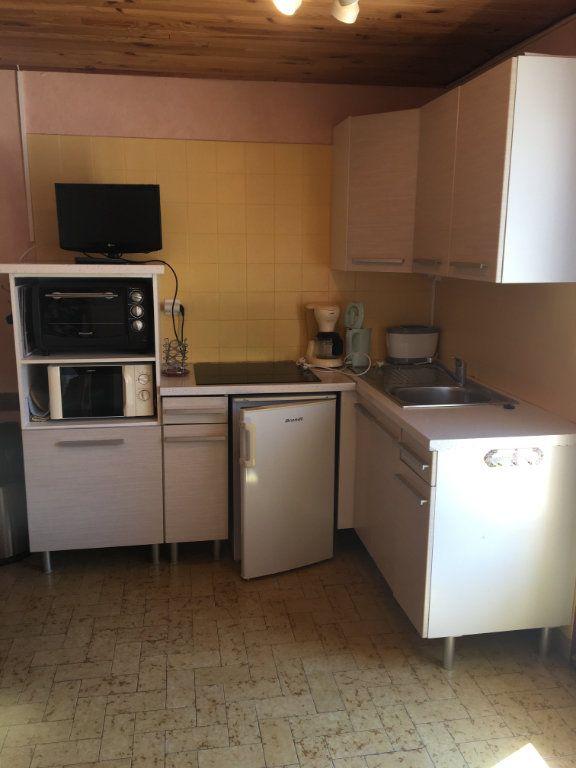 Appartement à louer 2 35m2 à Gréoux-les-Bains vignette-7