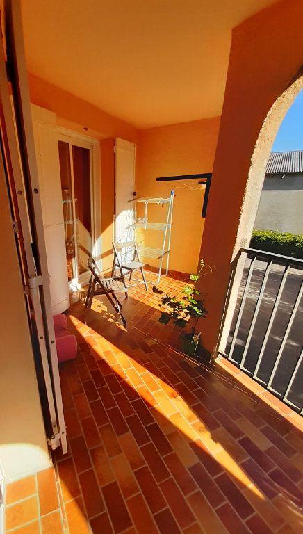Appartement à louer 4 80m2 à Laragne-Montéglin vignette-1