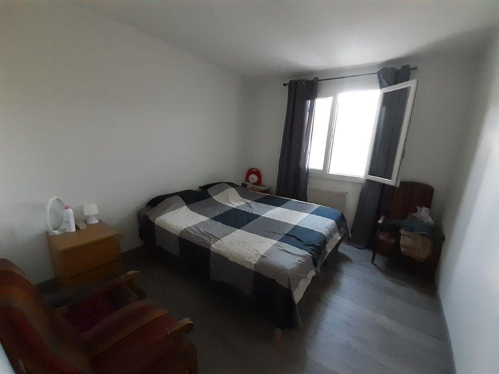 Appartement à louer 4 80m2 à Laragne-Montéglin vignette-3