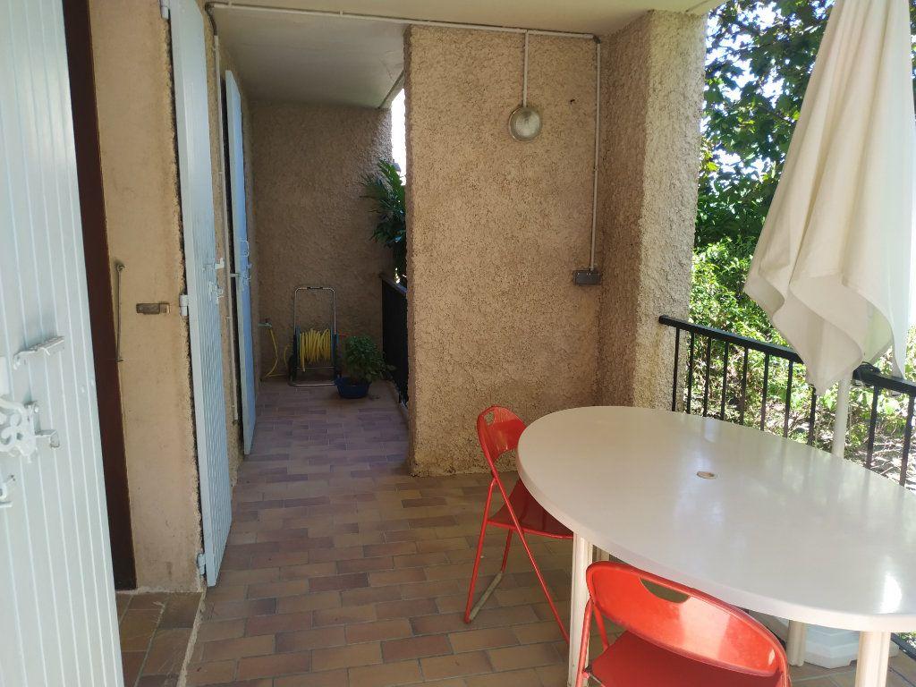 Appartement à vendre 3 59m2 à Gréoux-les-Bains vignette-2