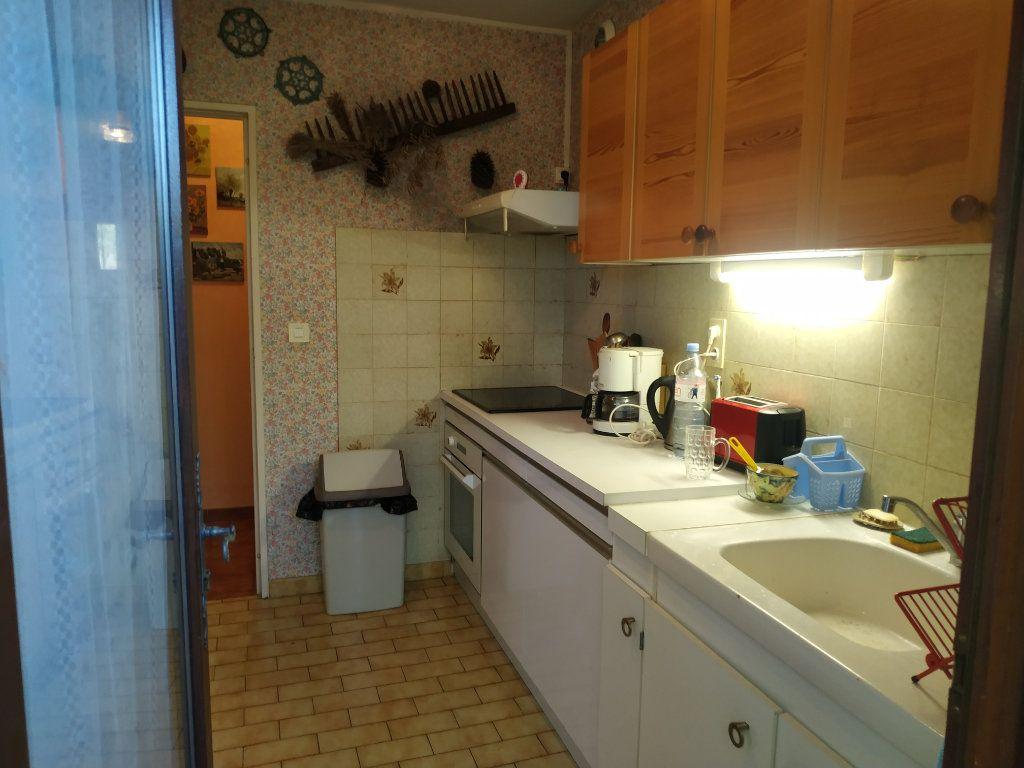 Appartement à vendre 3 59m2 à Gréoux-les-Bains vignette-4