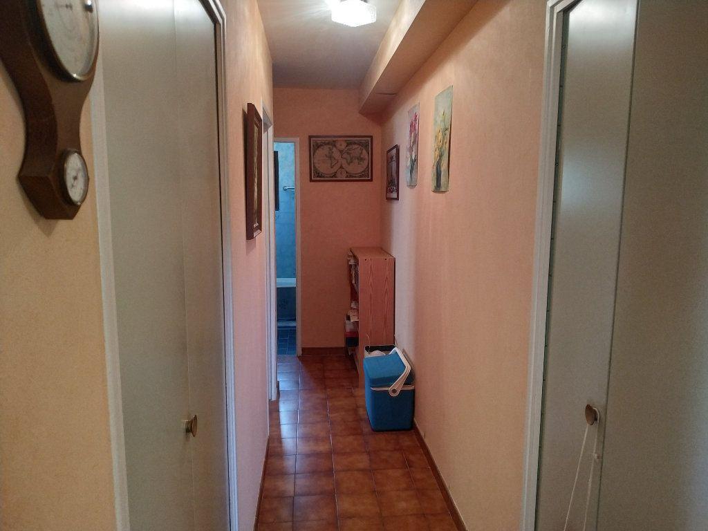 Appartement à vendre 3 59m2 à Gréoux-les-Bains vignette-6