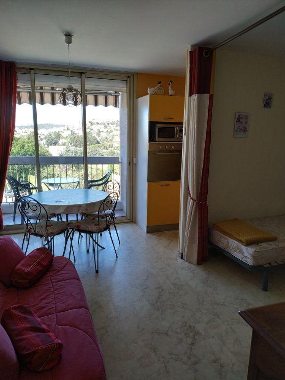 Appartement à vendre 1 29m2 à Gréoux-les-Bains vignette-2