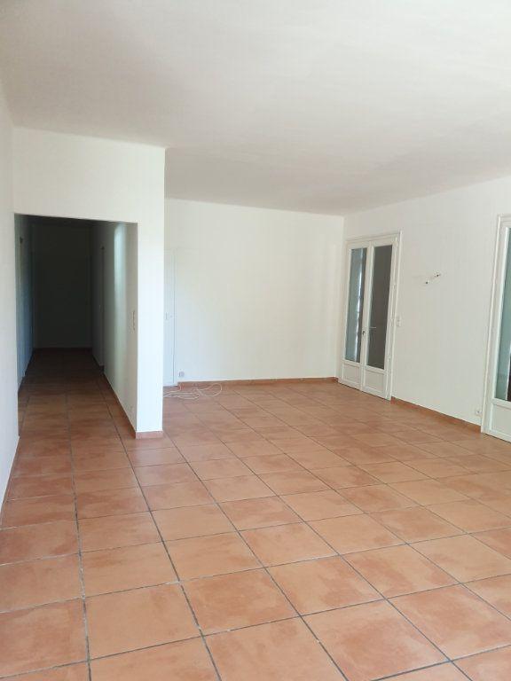 Maison à louer 6 220m2 à Manosque vignette-2