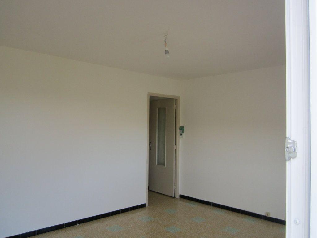 Appartement à louer 4 70m2 à Châteauneuf-de-Chabre vignette-6