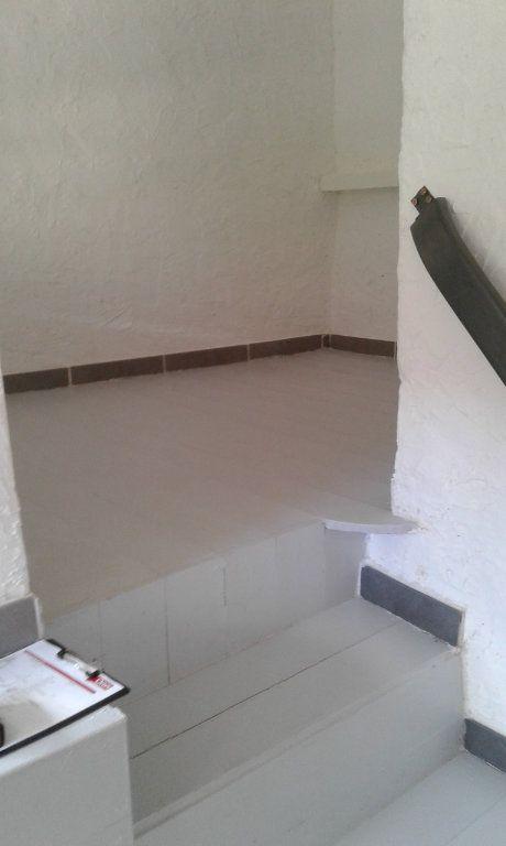 Maison à louer 3 87.17m2 à Bayons vignette-10
