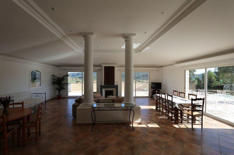 Maison à vendre 11 316m2 à Gréoux-les-Bains vignette-4