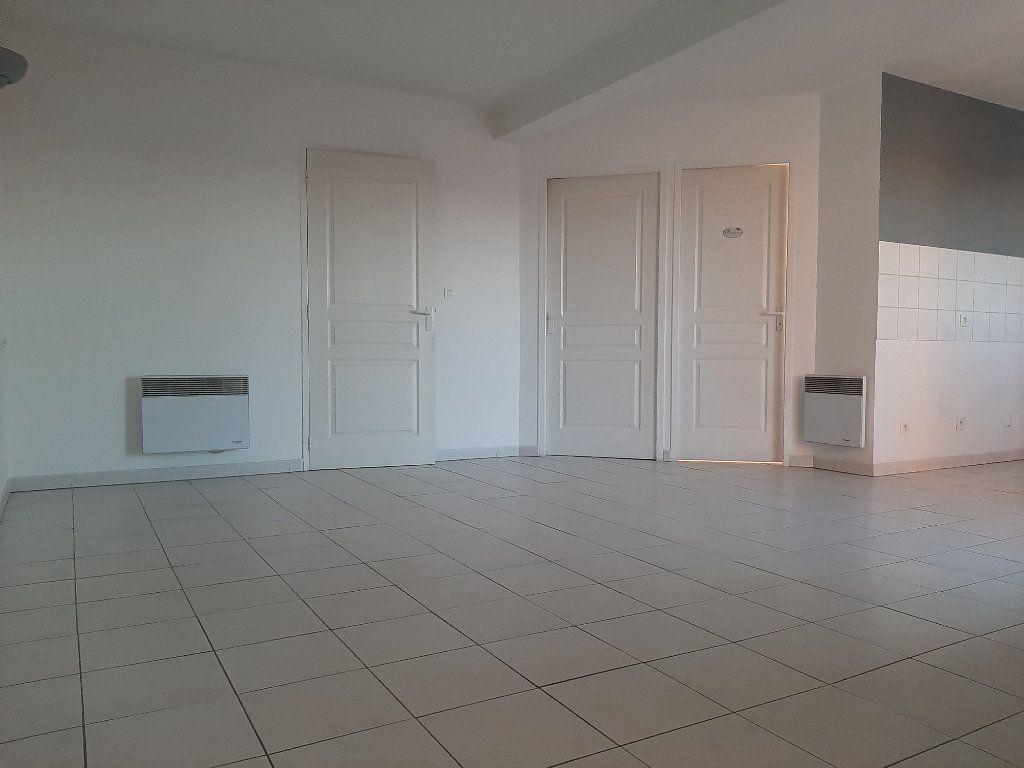 Appartement à louer 3 55m2 à Manosque vignette-1