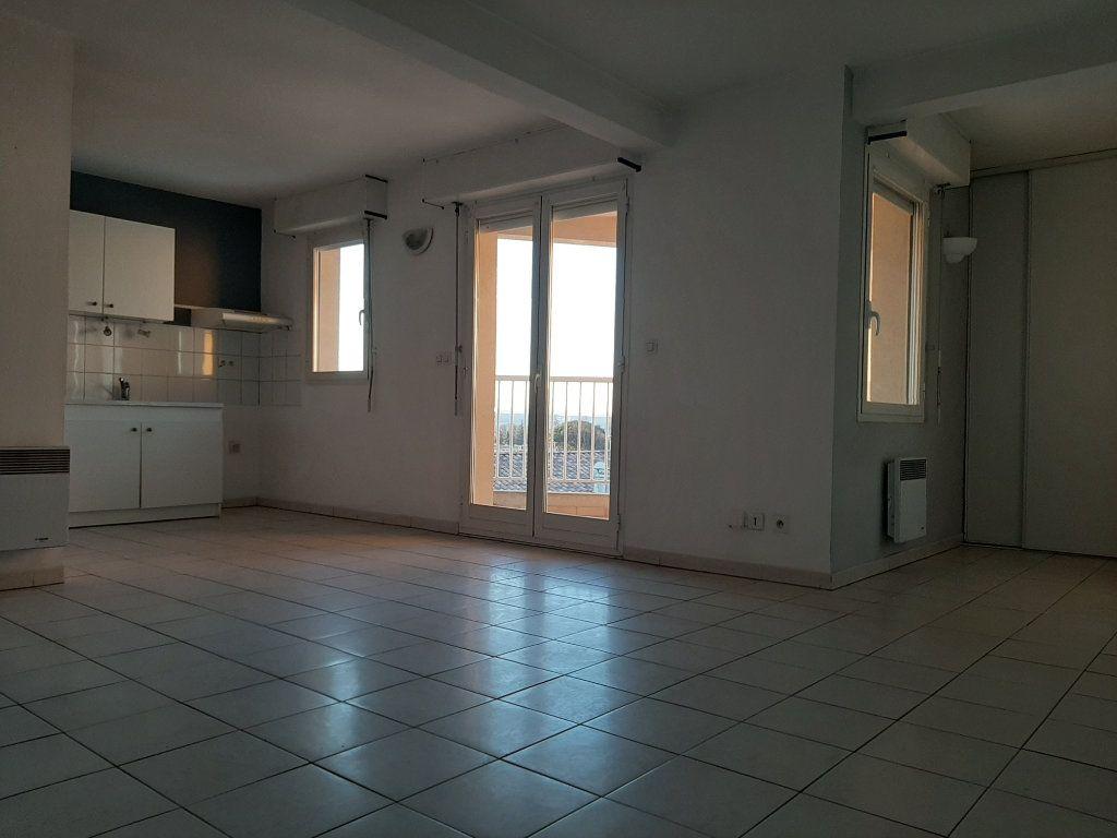 Appartement à louer 3 55m2 à Manosque vignette-2