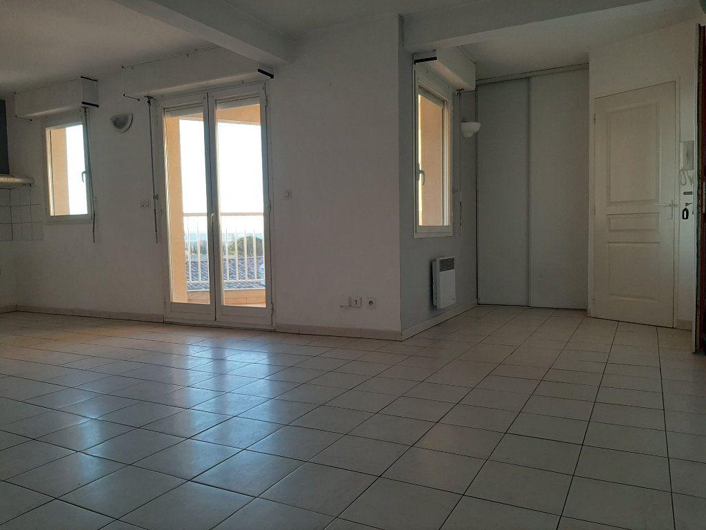 Appartement à louer 3 55m2 à Manosque vignette-4