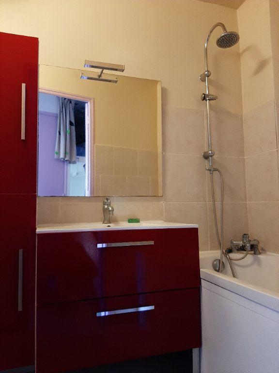 Appartement à louer 2 32.42m2 à Saint-Martin-de-Brômes vignette-4