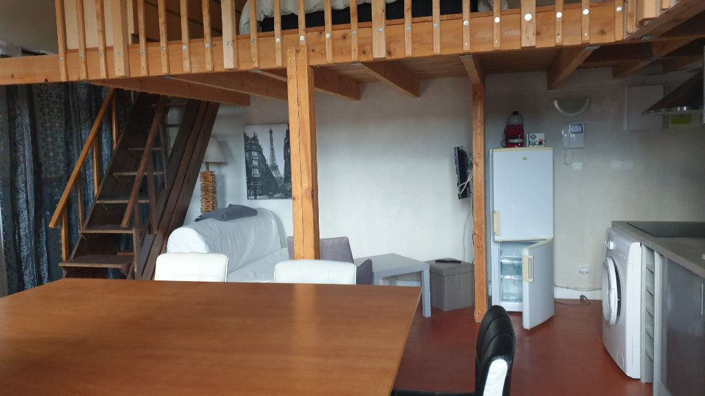 Appartement à louer 2 40m2 à Peyrolles-en-Provence vignette-2