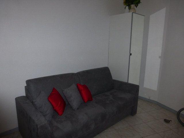 Appartement à louer 1 17m2 à Gréoux-les-Bains vignette-1