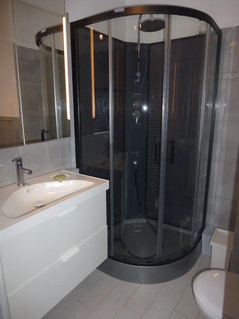 Appartement à louer 1 17m2 à Gréoux-les-Bains vignette-2